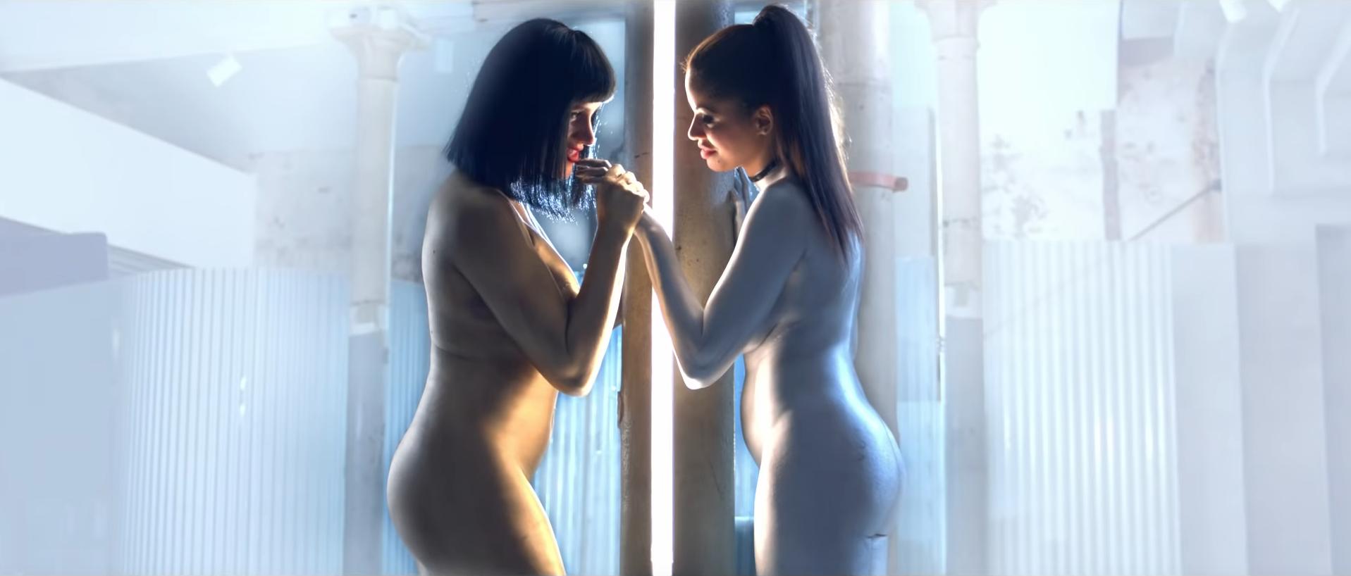 El Videoclip Lésbico De Jennifer Rojo