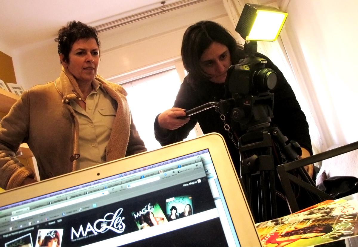 Gayles tv visita la revista magles magles revista para for Lesbianas en la oficina