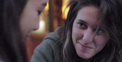 La chica de la barra, un corto basado en una historia real