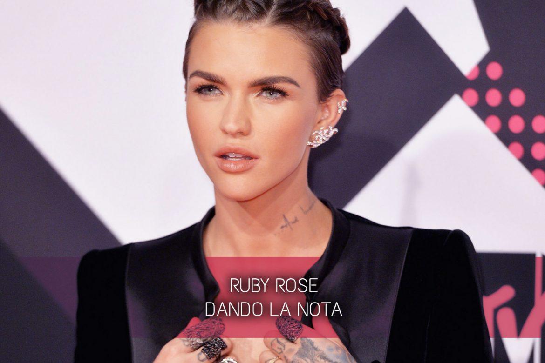 ruby rose dando la nota